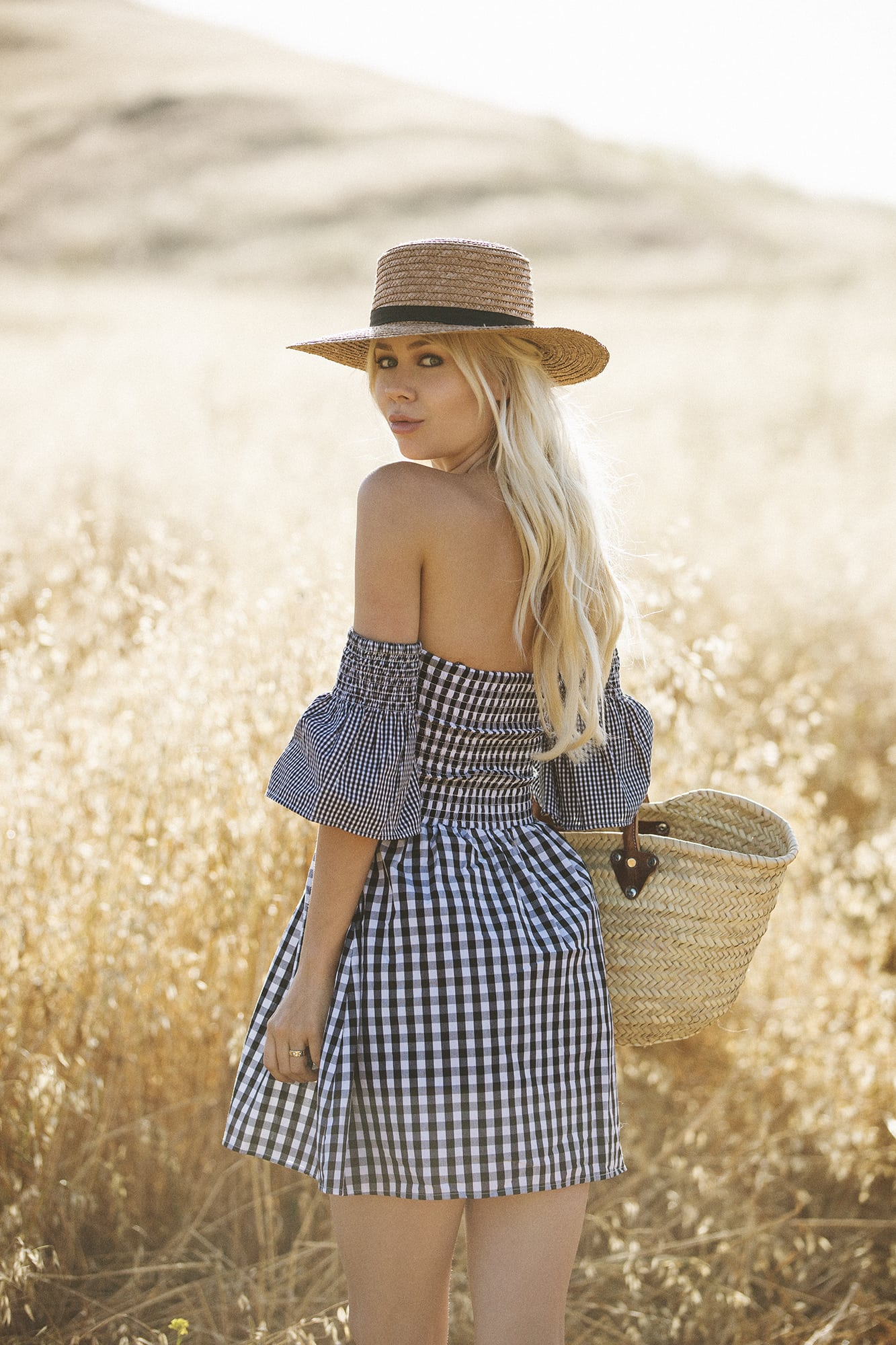 Sarah Loven in The Vetiver Collection - Ready Gypset Go